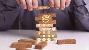estrategia logo